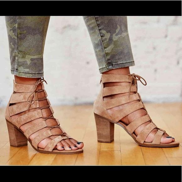 77c0058e0db1 Crown Vintage Gladiator Heeled Sandal